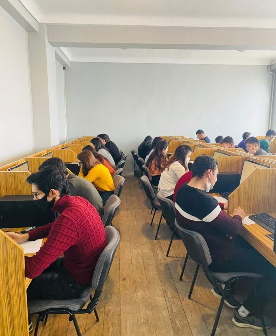 Naxçıvan Dövlət Universitetində magistraturaya imtahan verəcək tələbələr üçün onlayn qaydada sınaq imtahanı təşkil edilib
